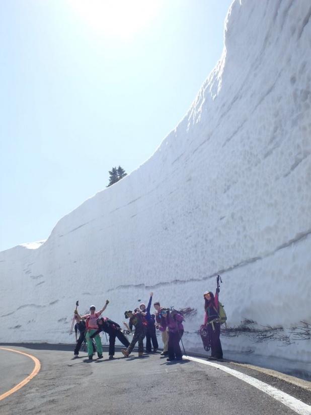 2015年4月12日㈰ ZAOC 春のスノーシュートレッキングツアー≪刈田岳・お釜≫